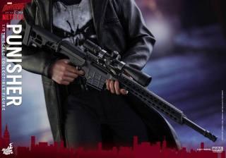 Hot Toys Netflix The Punisher figure -sniper rifle detail