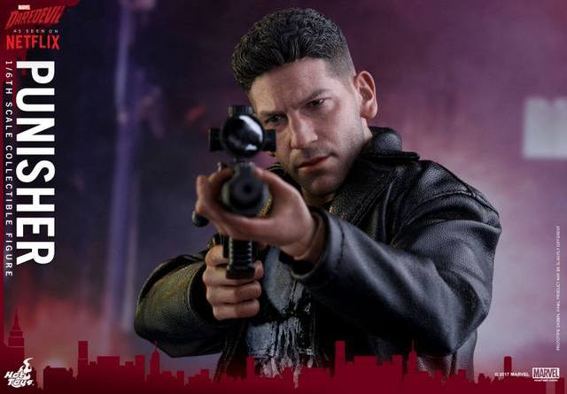 Hot Toys Netflix The Punisher figure -taking aim