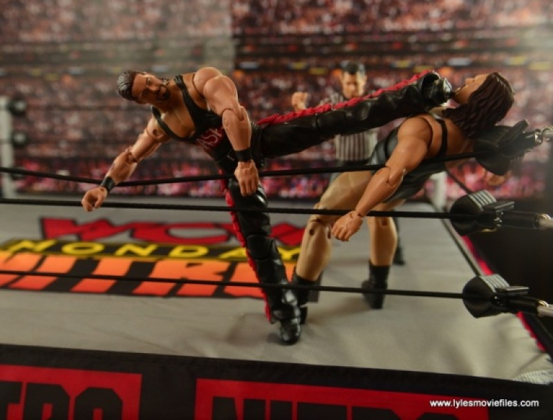 WWE nWo Wolfpac Kevin Nash Elite figure review -choking out The Giant