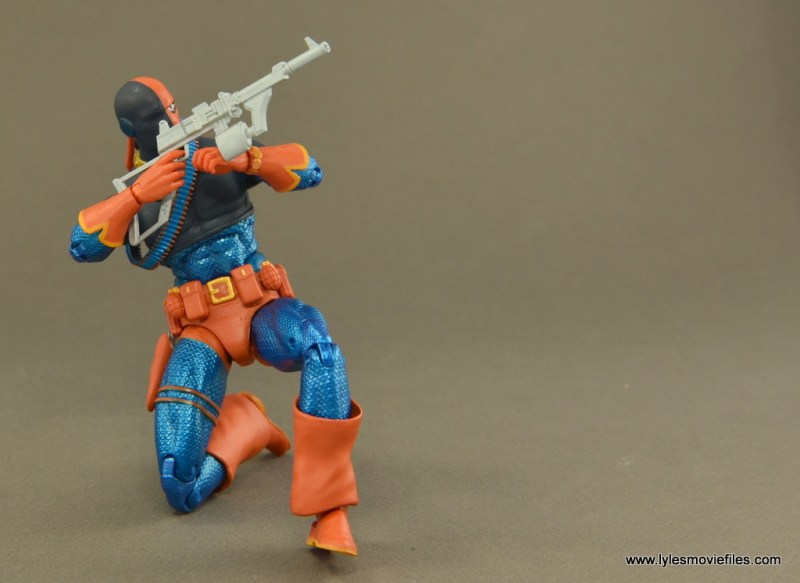 DC Icons Deathstroke the Terminator figure review -aiming right side