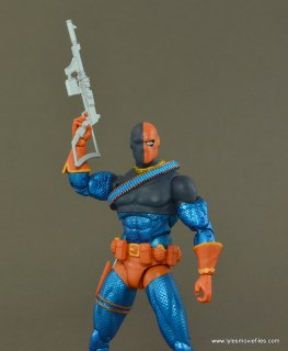 DC Icons Deathstroke the Terminator figure review -rifle up