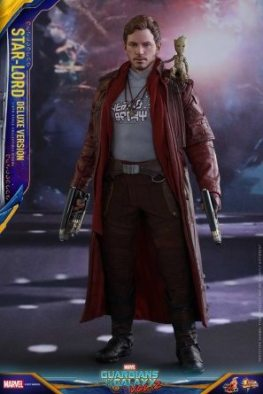 Hot Toys Guardians of the Galaxy Vol. 2 Star-Lord deluxe figure - standing with Baby Groot