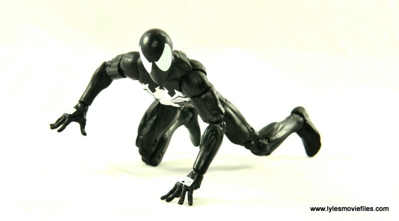 Marvel Legends Symbiote Spider-Man figure review - wall crawling