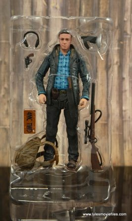 The Walking Dead Aaron figure review -accessories in tray