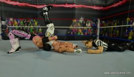 WWE Wrestlemania 12 Elite Shawn Michaels figure review -belly to back suplex