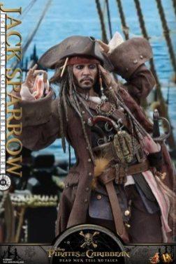 Hot Toys Capt Jack Sparrow figure - close up