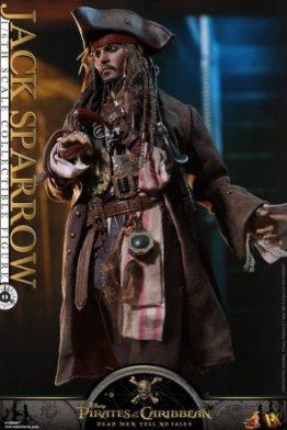Hot Toys Capt Jack Sparrow figure -costume detail