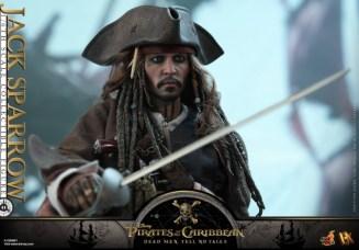Hot Toys Capt Jack Sparrow figure -raising sword wide