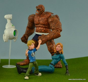 Marvel Legends Invisible Woman figure review -hanging with HERBIE, Thing and Franklin