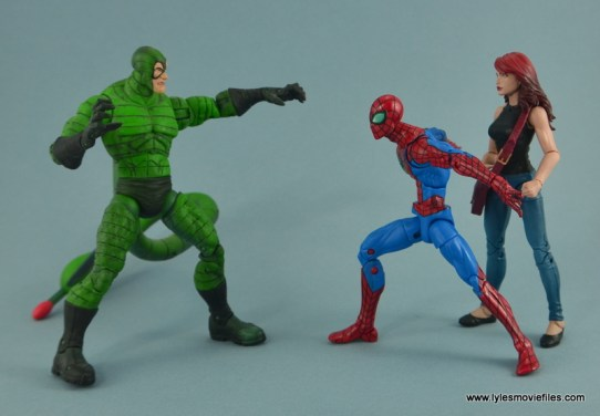 Marvel Legends Spider-Man and Mary Jane Watson figure review - face off with Scorpion