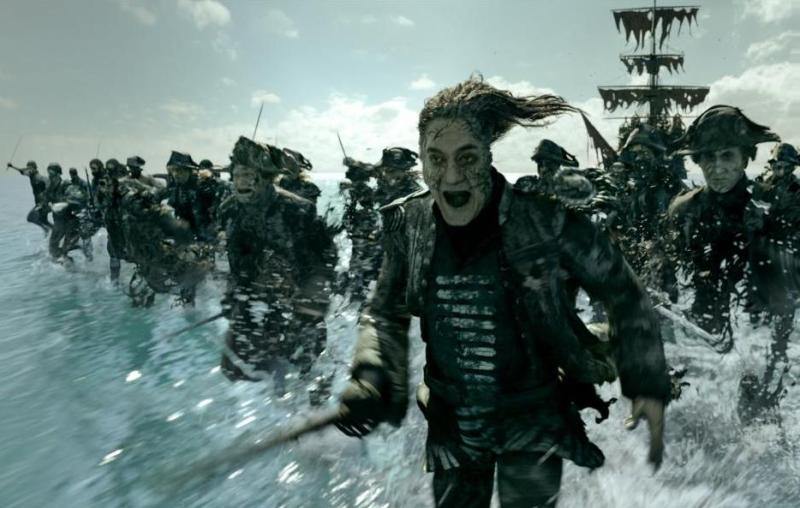 Pirates of the Caribbean Dead Men Tell No Tales - Salazar and ghost pirates