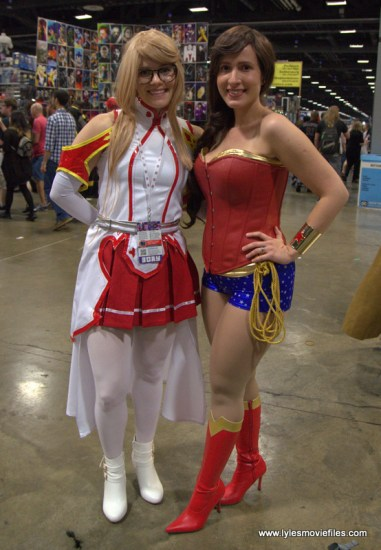Awesome Con 2017 Day 2 cosplay - Karin and Wonder Woman