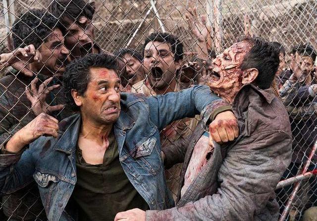 Fear the Walking Dead Eye of the Beholder review - Travis vs walkers