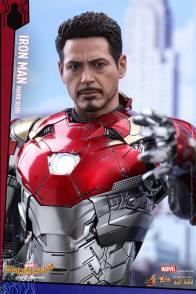 Hot Toys Iron Man Mark 47 figure - unmasked
