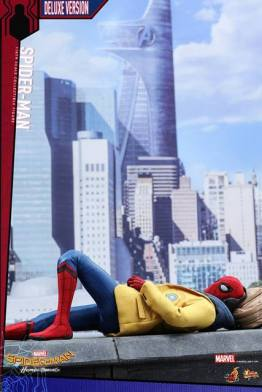 Hot Toys Spider-Man Homecoming figure - poster homage