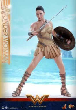 Hot Toys Wonder Woman Training Armor Version -wide stance