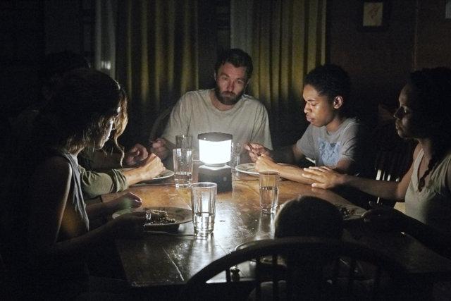 It-Comes-at-Night-movie-Riley-Keough-Carmen-Ejogo-Joel-Edgerton-and-Kelvin-Harrison-and-Christopher-Abbott