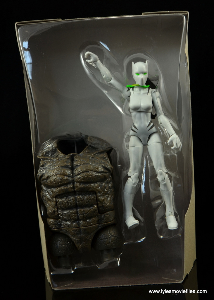 Marvel Legends White Tiger figure review -accessories in tray