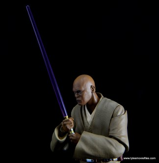 SH Figuarts Mace Windu figure review - holding saber