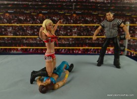 WWE Basic Alexa Bliss figure review - knee backflip