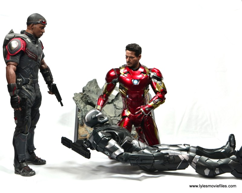Hot Toys Captain America Civil War Iron Man figure review - checking in on War Machine with Falcon