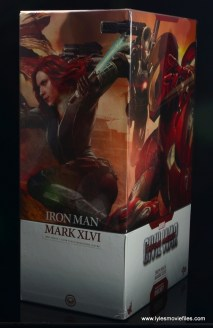 Hot Toys Captain America Civil War Iron Man figure review - package wraparound