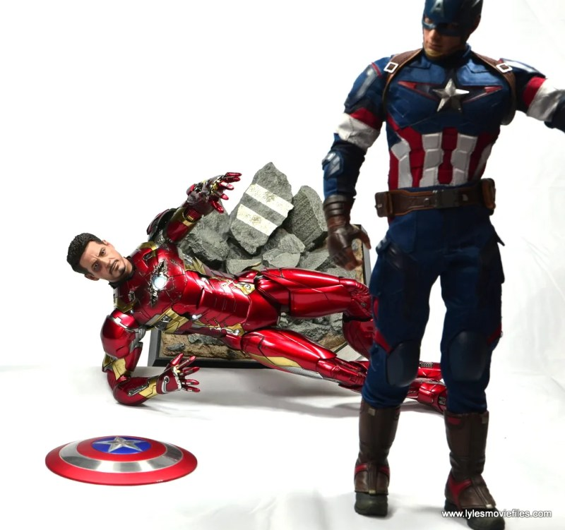 Hot Toys Captain America Civil War Iron Man figure review - that shield doesn't belong to you