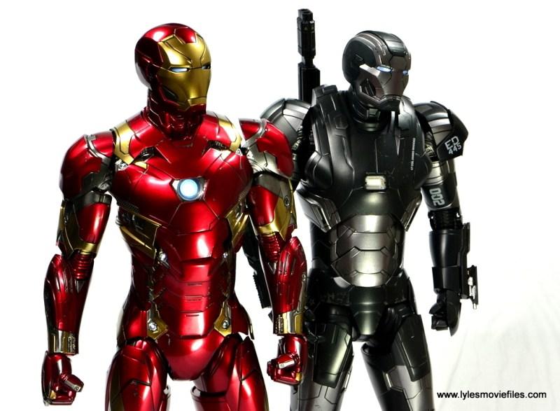 Hot Toys Captain America Civil War Iron Man figure review - with War Machine