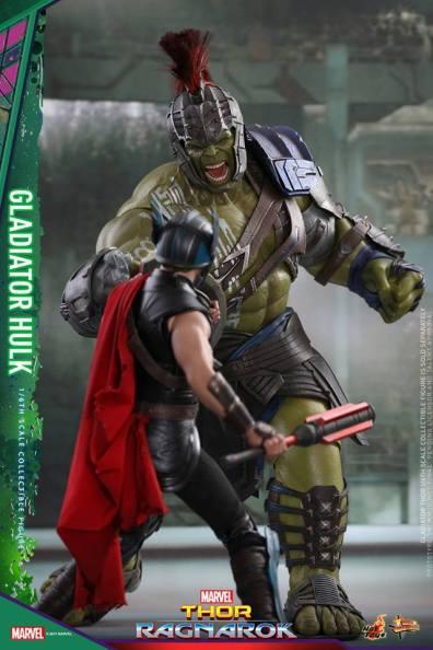 Hot Toys Thor Ragnarok Gladiator Hulk figure -charging Thor