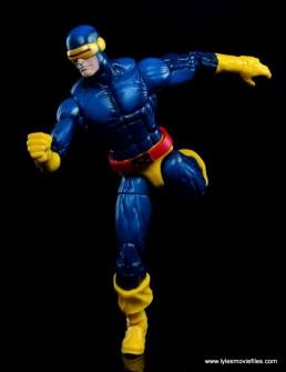 Marvel Legends Cyclops and Dark Phoenix figure review -Cyclops running