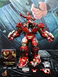 SDCC 2017 new Hot Toys Hulkbuster Iron Man