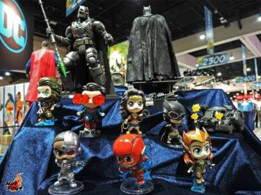 SDCC 2017 new Hot Toys Justice League minis