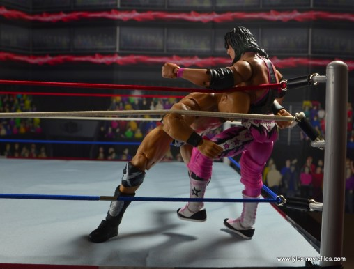 WWE The Warlord figure review -shoulder block in the turnbuckle
