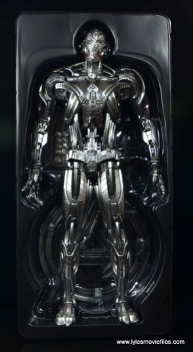 Hot Toys Avengers Ultron Prime figure review -in tray
