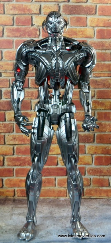 Hot Toys Avengers Ultron Prime figure review - straight
