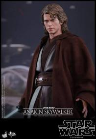 Hot Toys Revenge of the Sith Anakin Skywalker - looking out