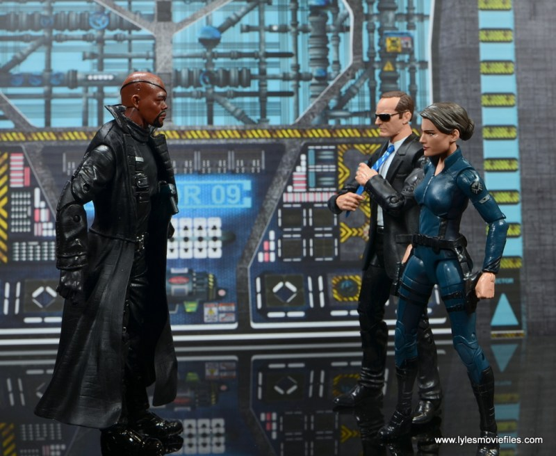 Marvel Legends Avengers Initative figure review - Fury with Coulson and Hill