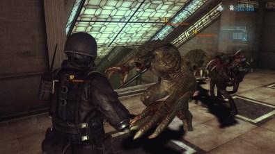 Resident Evil Revelations_XB1_PS4_- vs Hunters