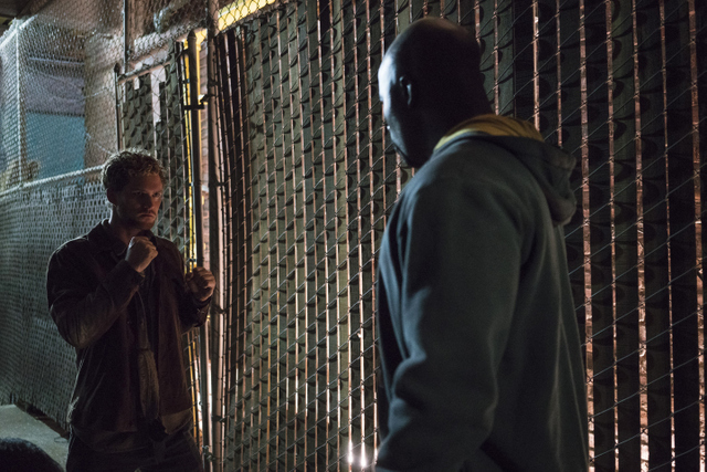 The Defenders - Mean Right Hook - Iron Fist vs Luke Cage