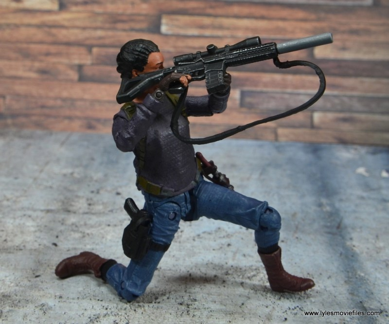 The Walking Dead Sasha figure review -aiming gun side