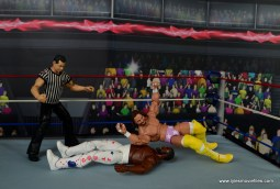 WWE Defining Moments Macho Man Randy Savage figure review - elbowdrop to JYD