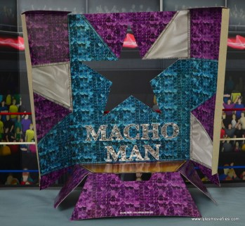 WWE Defining Moments Macho Man Randy Savage figure review -inner lining