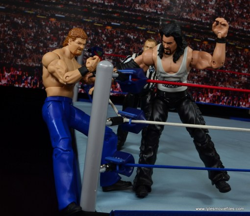 WWE Elite Isaac Yankem figure review -smashing Diesel's hand