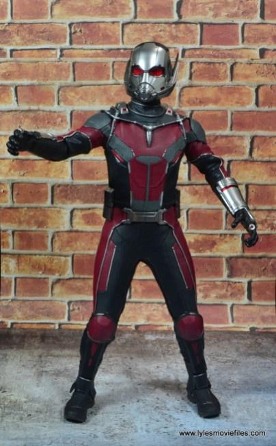 hot toys captain america civil war ant-man figure review -grabbing