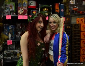 Baltimore Comic Con 2017 cosplay -Poison Ivy and Harley Quinn