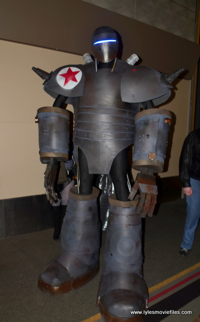 Baltimore Comic Con 2017 cosplay - costume contest giant robot