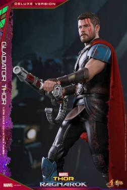 Hot Toys Gladiator Thor figure - aiming rifle