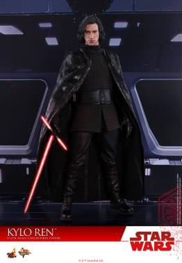 Hot Toys The Last Jedi Kylo Ren - cape out
