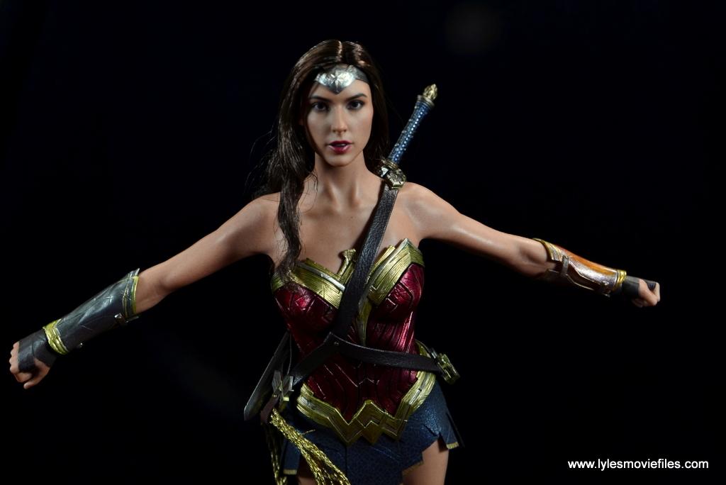 Hot Toys Wonder Woman figure review   Lyles Movie Files