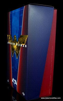 Hot Toys Wonder Woman figure review -package side